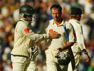 MELBOURNE - DECEMBER 26:  Steve Waugh of Australia is congratulated by Justin Langer at being not out at the end of the days play during day one of the Boxing Day Fourth Ashes Test between Australia and England held at the Melbourne Cricket Ground in Melbourne, Australia on December 26, 2002. (Photo by Mark Dadswell/Getty Images)