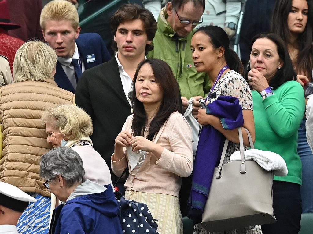 Renee Raducanu (middle), Emma's mother, was watching her daughter's match from the stands.