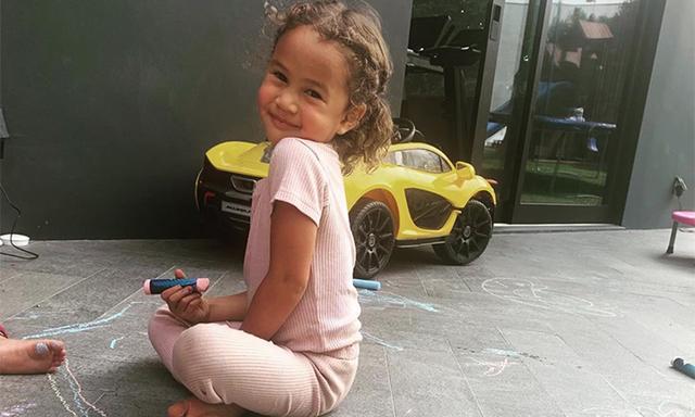Chrissy Teigen daughter Luna