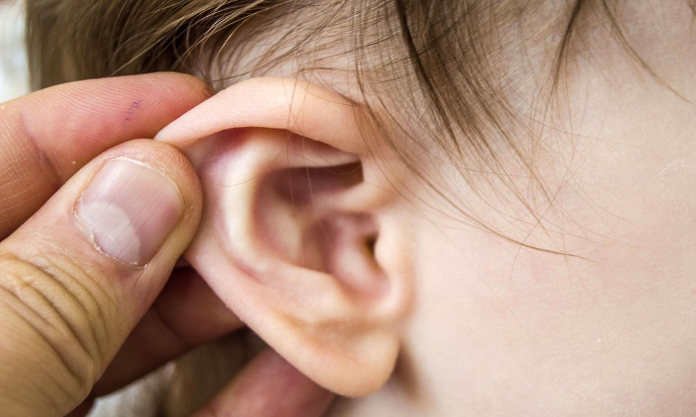 In the winter months, children's ears become more inflamed, middle ear inflammation in infants and doctors treatment