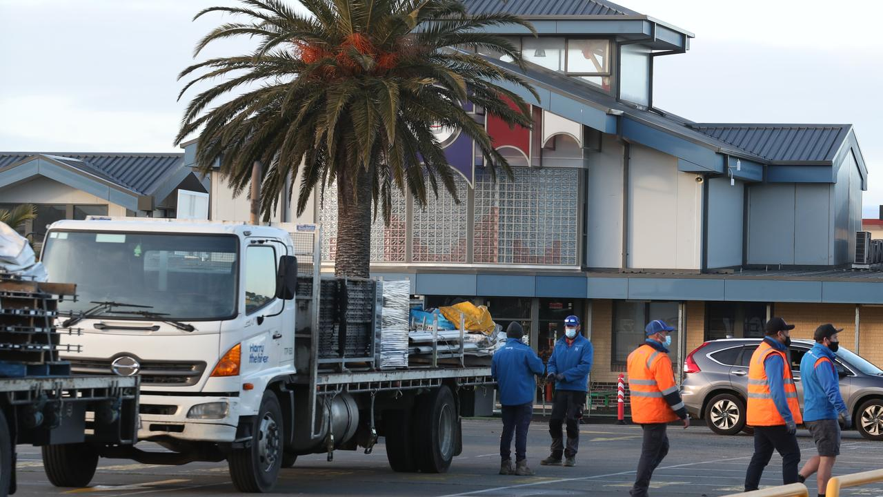 Workers move in to build a testing site at Al-Taqwa College in Truganina on Thursday morning. Picture: NCA NewsWire/David Crosling