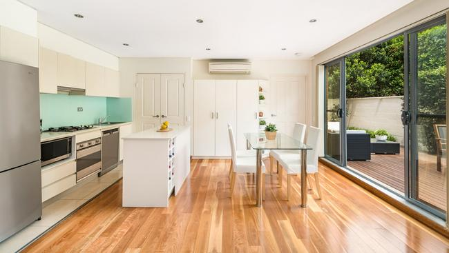 Living areas at 2/107 Chandos St, Crows Nest.