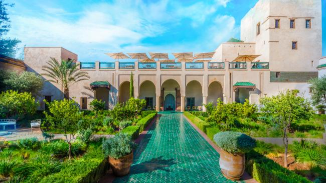 Split into an exotic and an Islamic garden, the latter has a four-part layout. This is meant as a metaphor of heaven according to the Quran sacred book, with geometric lines ordering the plants and a spring. A visit here makes for a restful experience.