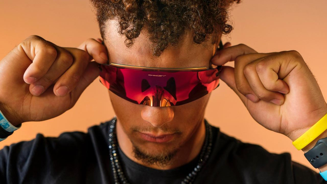 Oakley's enduring dedication to high performance sports and streetwear shades has earned it legions of fans.