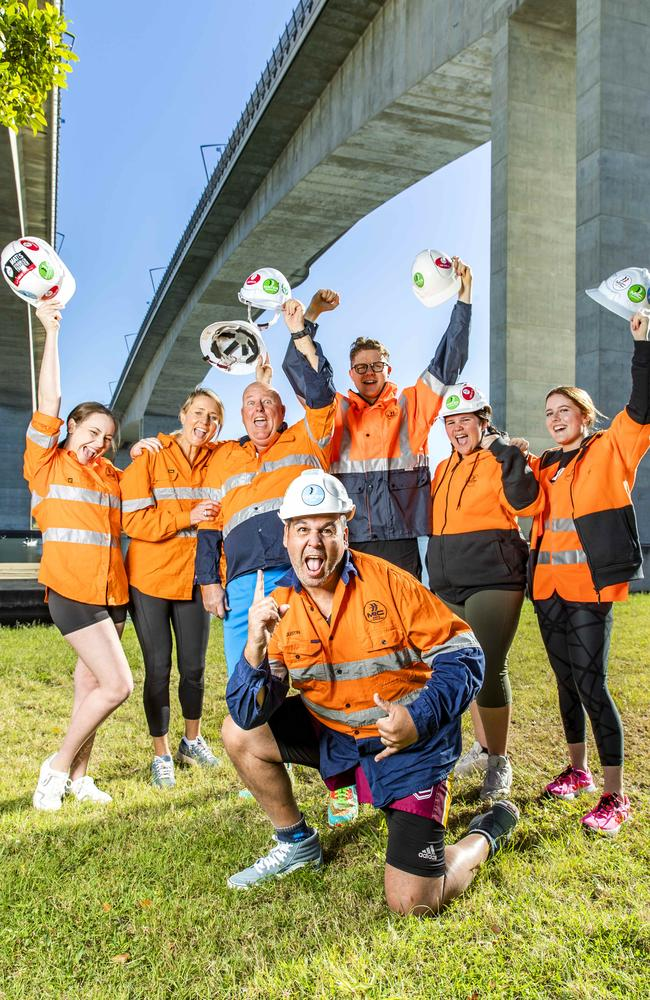 Justin Geange with (left to right) Mia Wright, Davina Wright, Dennis Sherlock, Connor Sherlock, Chelsea Geange and Jess Sherlock will be taking part in the 2021 Bridge to Brisbane. Picture: Richard Walker