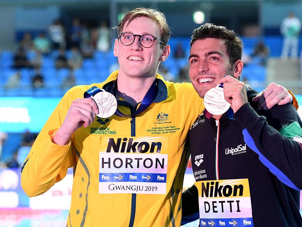 Silver medallist Mack Horton poses with bronze medallist Gabriele Detti.