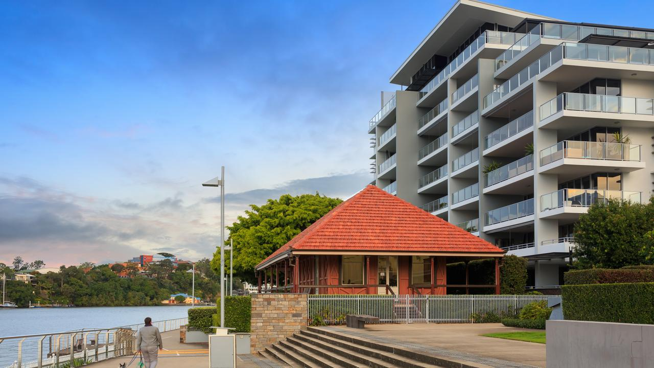 An apartment in Cutters Landing at 30 Hollins Cres, New Farm, has sold for $3.2m.