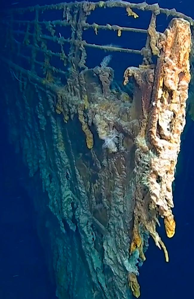 The eight-day trip includes a submarine exploration of the wreckage