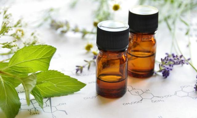 5 family-friendly essential oils