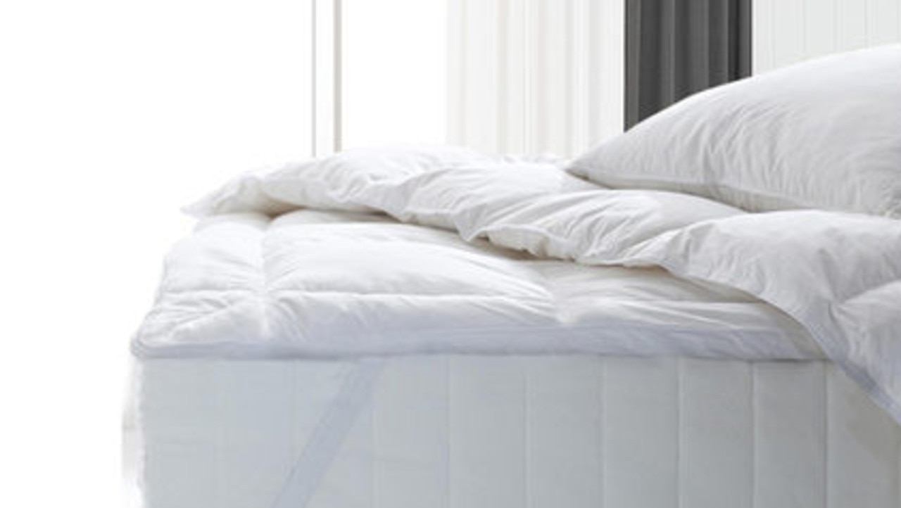 Royal Comfort Fitted Foam Cover Underlay Goose Mattress Topper 1000GSM. Image: news.com.au Store.