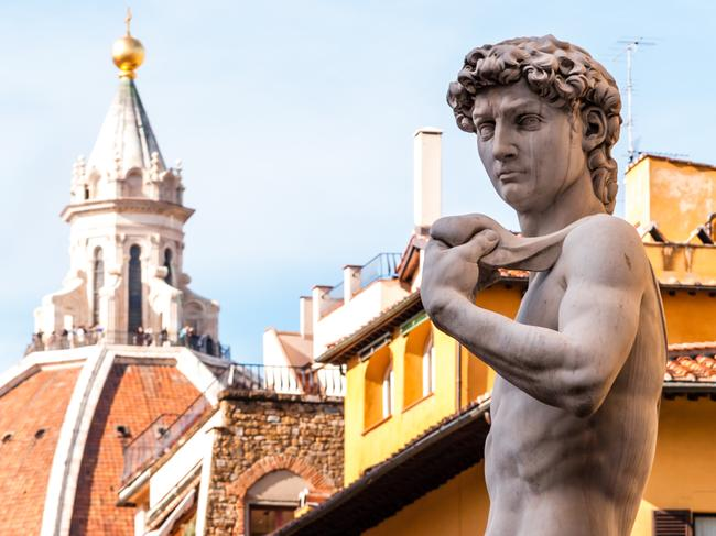 VISIT THE DAVID STATUE IN FLORENCE There are five Statues of David in Florence, but Michelangelo's original can be found standing almost 17 feet tall and weighing 5660kg at Galleria dell'Accademia in Florence.