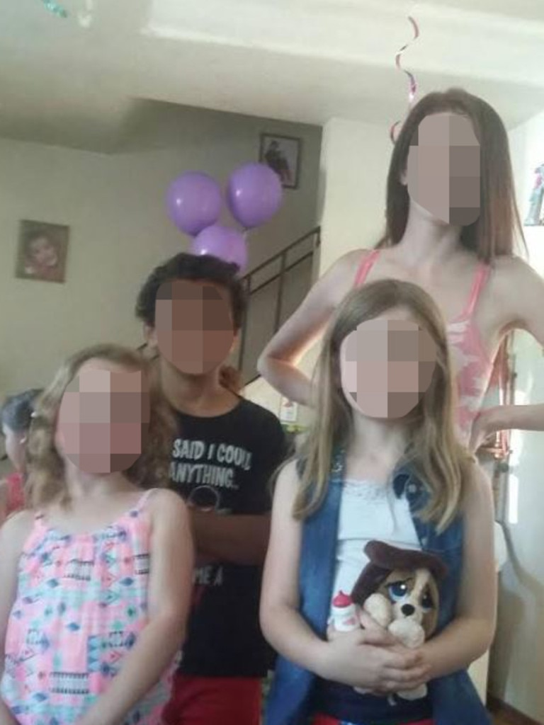 She sent him pictures of her family and children.