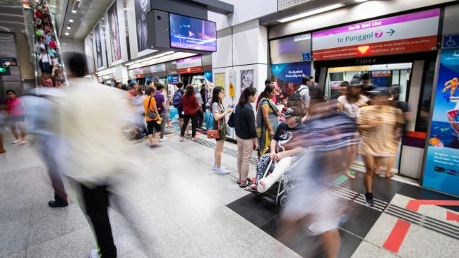 5/18 Avoid public transport at peak hour Peak hour in Singapore is chaotic. Steer clear of public transport between 8am-9am and 6pm-7pm, especially if you're travelling with young children.