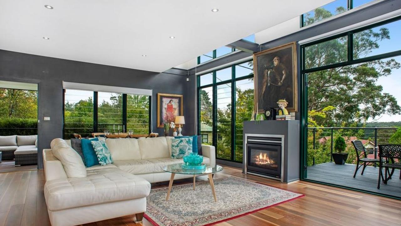 This contemporary residence with views in Leura has just sold for $855,000.