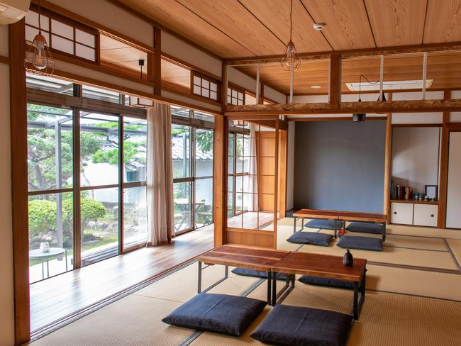 ACCOMMODATION There are more ryokans in Japan than Western-style hotels. The traditional inns typically feature tatami-matted rooms, futon mattresses, and communal baths and dining areas.  25 THINGS EVERY TRAVELLER SHOULD KNOW ABOUT JAPAN