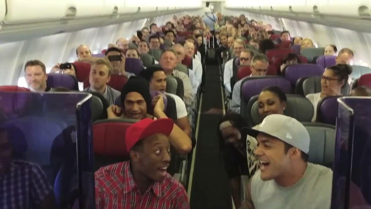 'Lion King' Cast Serenades Australian Airplane