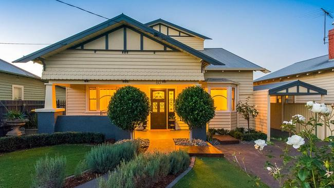 This house in Geelong West, sold for $1.05 million at auction recently. It last sold in 1991 for $102,000.