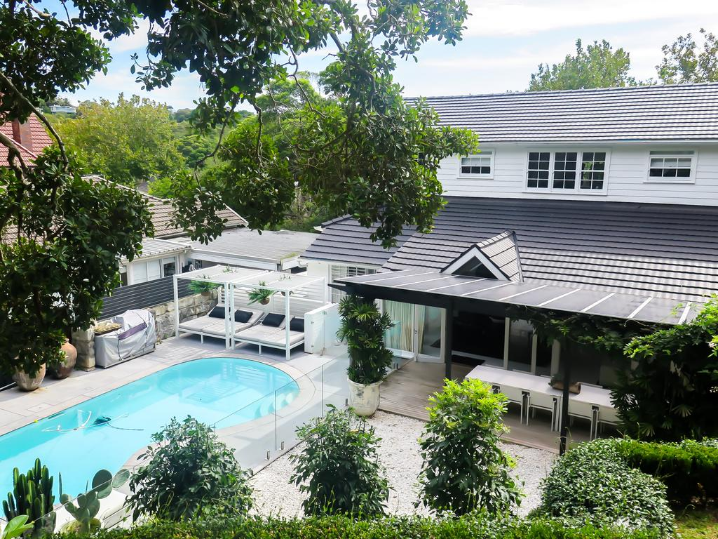 17 Boambillee Ave, Vaucluse has a guide of $6 million