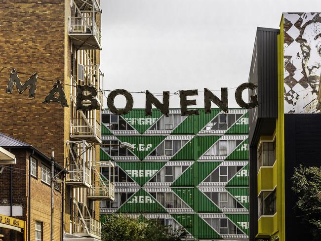 MABONENG Those in the Joberg know to head to the hip and happening Maboneng district, which was once a crumbling strong hold of crime, but has now decidedly turned a corner. There are streets here that would not be out of place in Brooklyn or Berlin: we're talking cool bars, interesting arts and cultural offerings, and great shopping.
