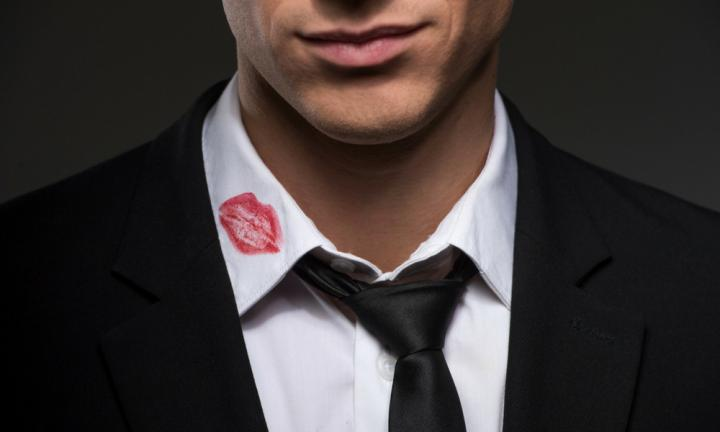 <b> 6. Having lipstick marks or perfume on their clothes </b>