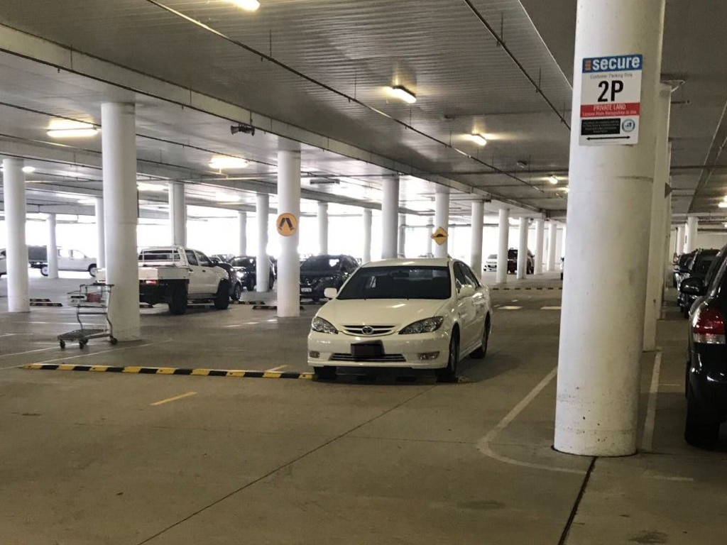 While it looked like this driver had made a perfect park, on closer inspection they have actually made a very obvious mistake. Picture: Twitter/@buttersthats_me.