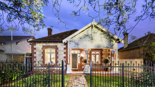 106 Swaine Avenue Toorak Gardens. Supplied to the Adelaide Advertiser Real Estate Magazine by Ouwens Casserly Real Estate.