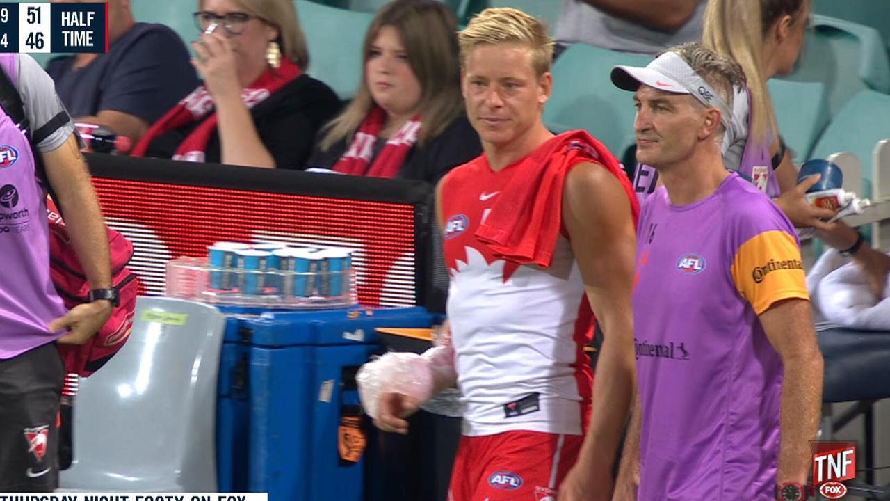 Sydney's Isaac Heeney has a broken right hand.