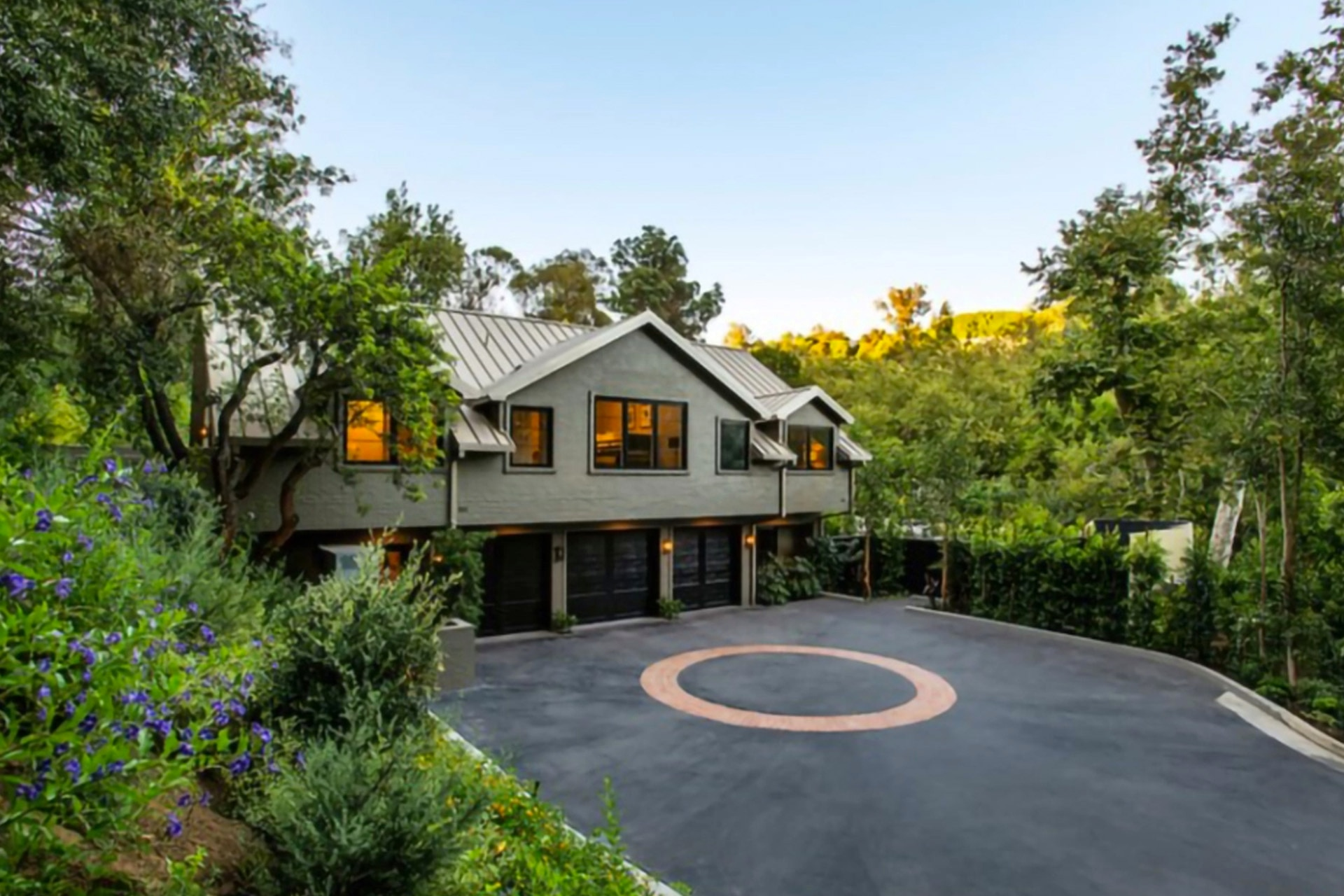 Tour The $20M Stunning Beverly Hills Farmhouse Of Cameron Diaz And Benji Madden