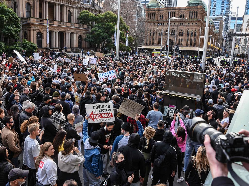 Thousands descend on Sydney's Town Hall for anti-lockdown protest. Picture: Flavio Brancaleone/NCA NewsWire