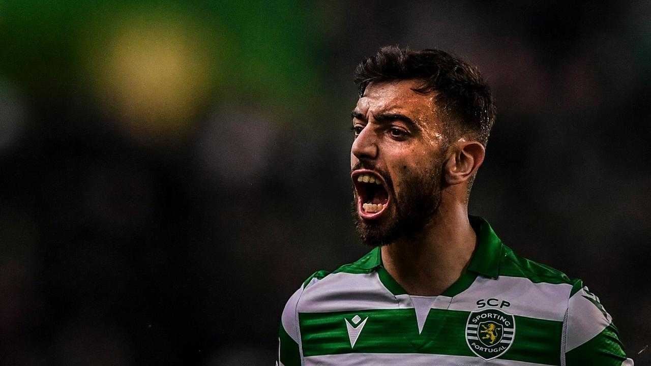 Bruno Fernandes could complete his move to Manchester United next week.