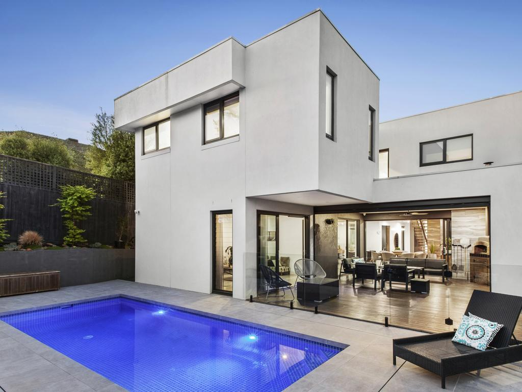10 Lowan Ave, Templestowe Lower - for Herald Sun realestate