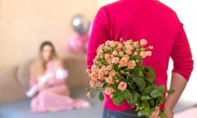 'I screamed at my husband for buying me flowers while I gave birth'
