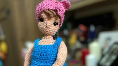 Crocheted birthing mama dolls are next level