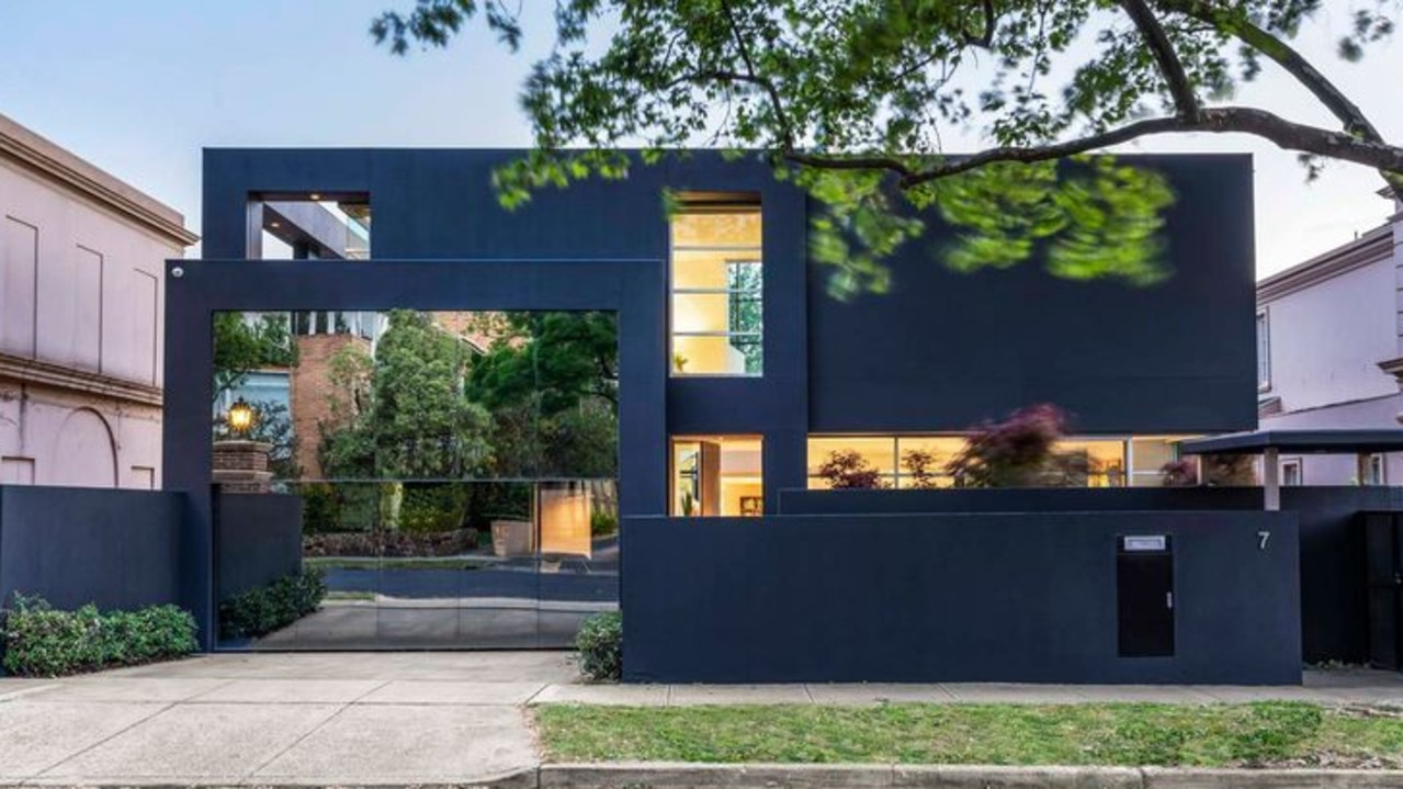 7 Maple Grove, Toorak is for sale during COVID-19.