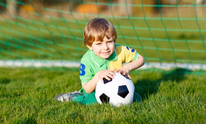 Parents urged to delay kids playing sport until 7