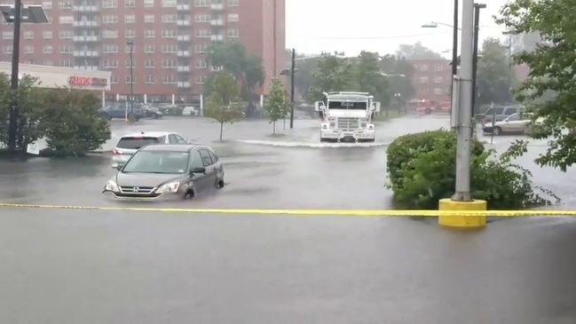 Truck Pushes Through Flood to Rescue Stranded Passengers in Hackensack, New Jersey