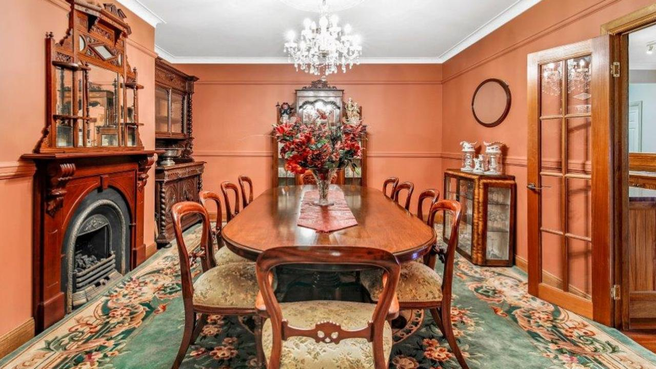 For more civilised occasions there is a formal dining room.