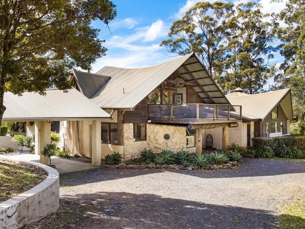 Arty retreat – 912B Kangaroo Valley Rd, Bellawongarah.