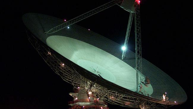 The Parkes radio telescope is playing a leading role in the search for alien life.