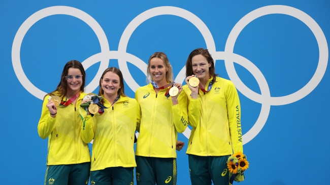 (L-R) Gold medalist Kaylee McKeown, Chelsea Hodges, Emma McKeon and Cate Campbell of Australia with their medals from the Women's 4 x 100m Medley Relay Final. Photo: Al Bello/Getty Images