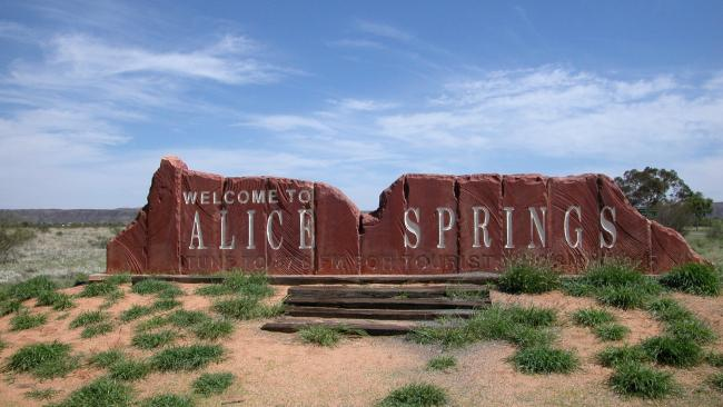 3/14When is the best time to go to Alice Springs? Autumn gets our vote as the temperature averages 12-27C.
