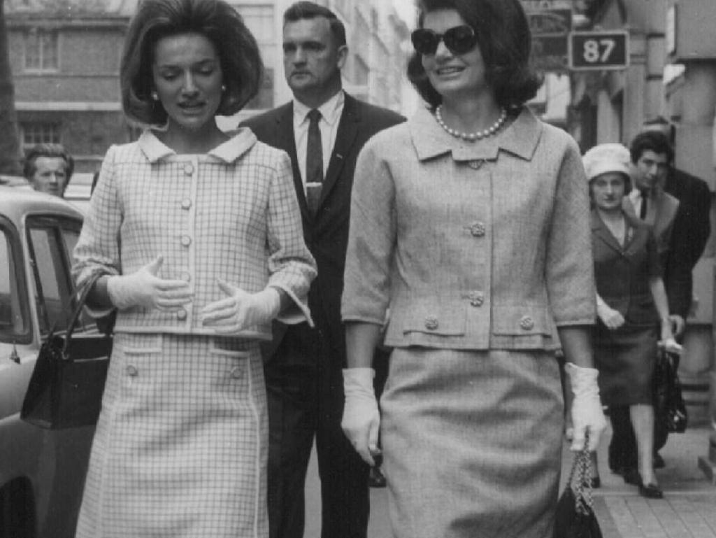 Lee Radziwill (L), and sister Jackie Kennedy Onassis shopping in London in 1965. Picture: Supplied