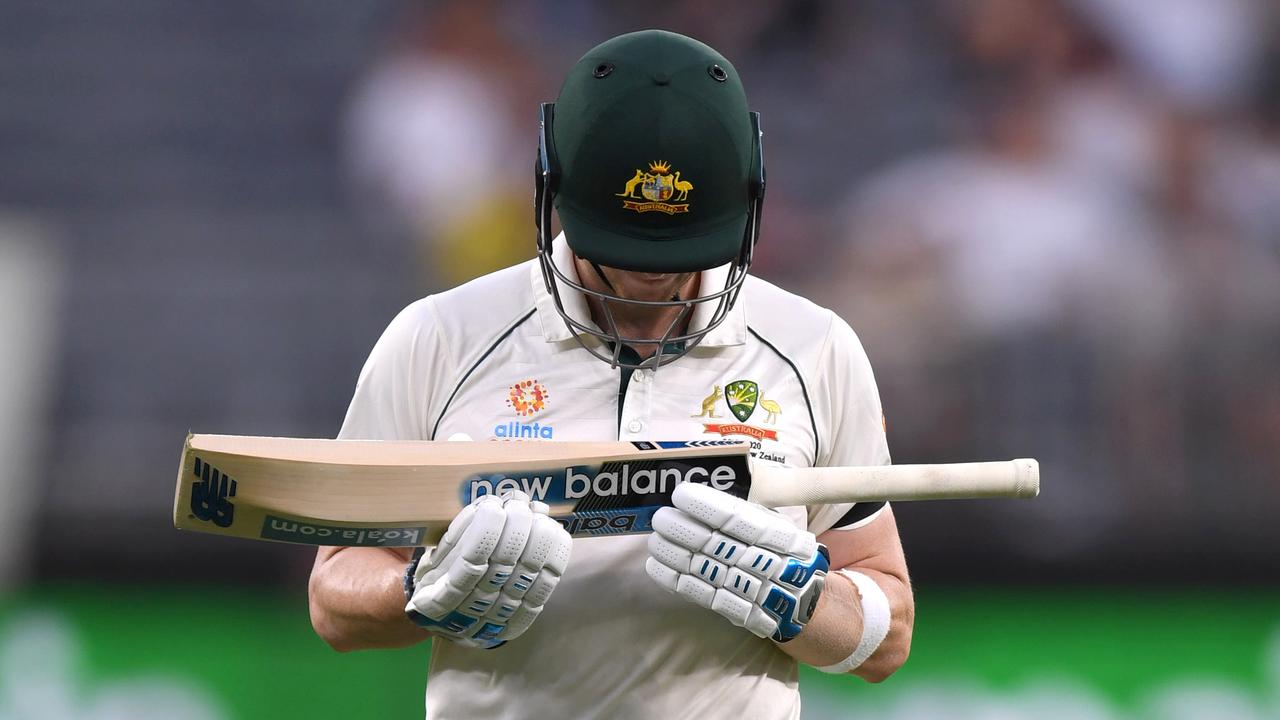 Steve Smith looked 'atrocious' and got out for 43. Michael Vaughan says that's good news