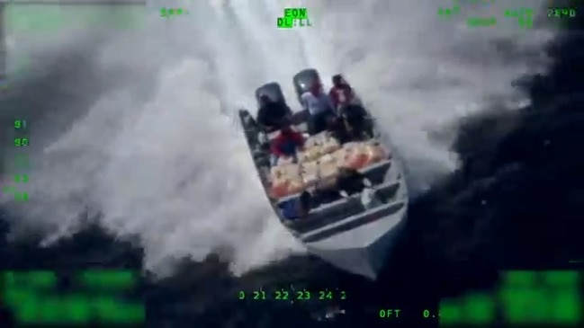 Suspected Cocaine Smugglers Throw Bags Overboard as US Coast Guard Closes In