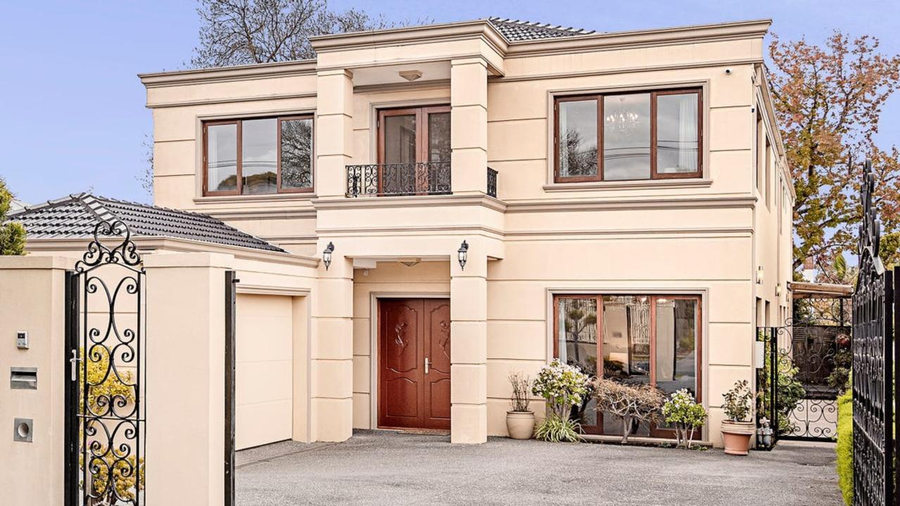 21 Norbert St, Balwyn, sold for a hefty $4.08m.