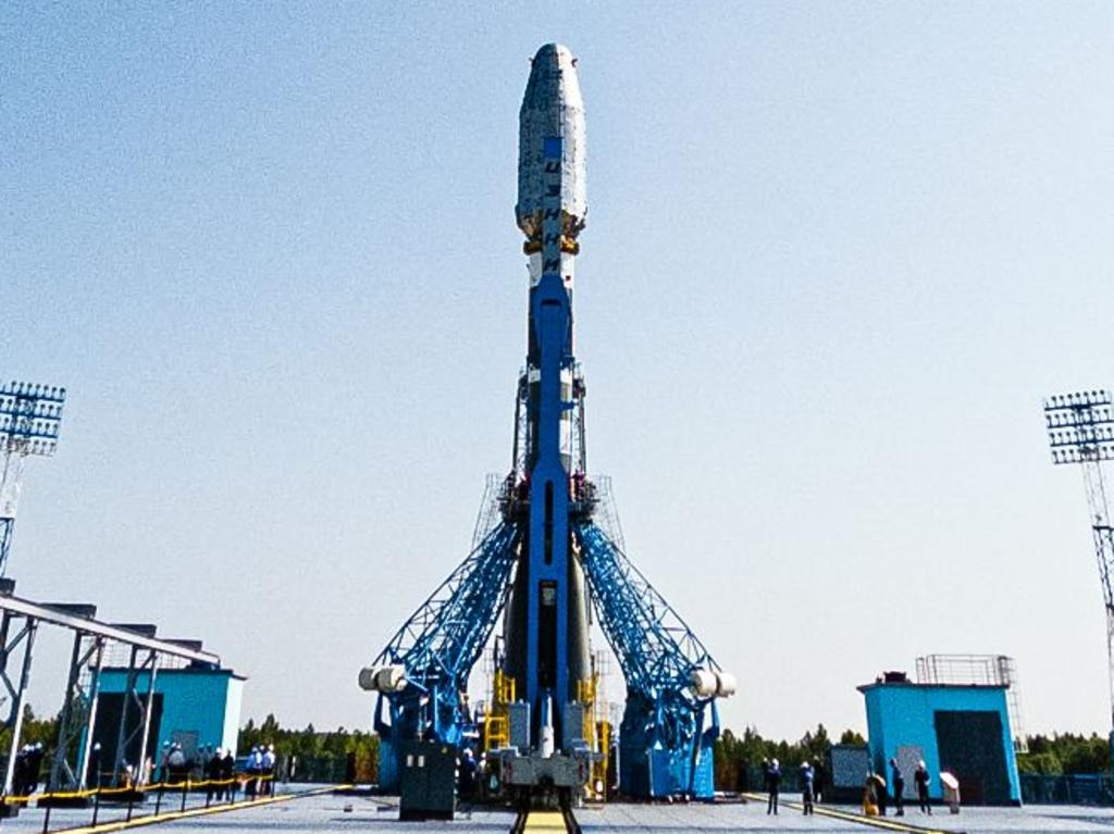 """This handout photograph released by the Russian Space Agency Roscosmos on June 28, 2021, shows a Soyuz-2.1b rocket booster with British OneWeb satellites is seen at a launchpad at the Vostochny cosmodrome outside the city of Uglegorsk, about 200 kms from the city of Blagoveshchensk in the far eastern Amur region. (Photo by STRINGER / Russian Space Agency Roscosmos / AFP) / RESTRICTED TO EDITORIAL USE - MANDATORY CREDIT """"AFP PHOTO / Russian space agency Roscosmos / handout """" - NO MARKETING - NO ADVERTISING CAMPAIGNS - DISTRIBUTED AS A SERVICE TO CLIENTS"""