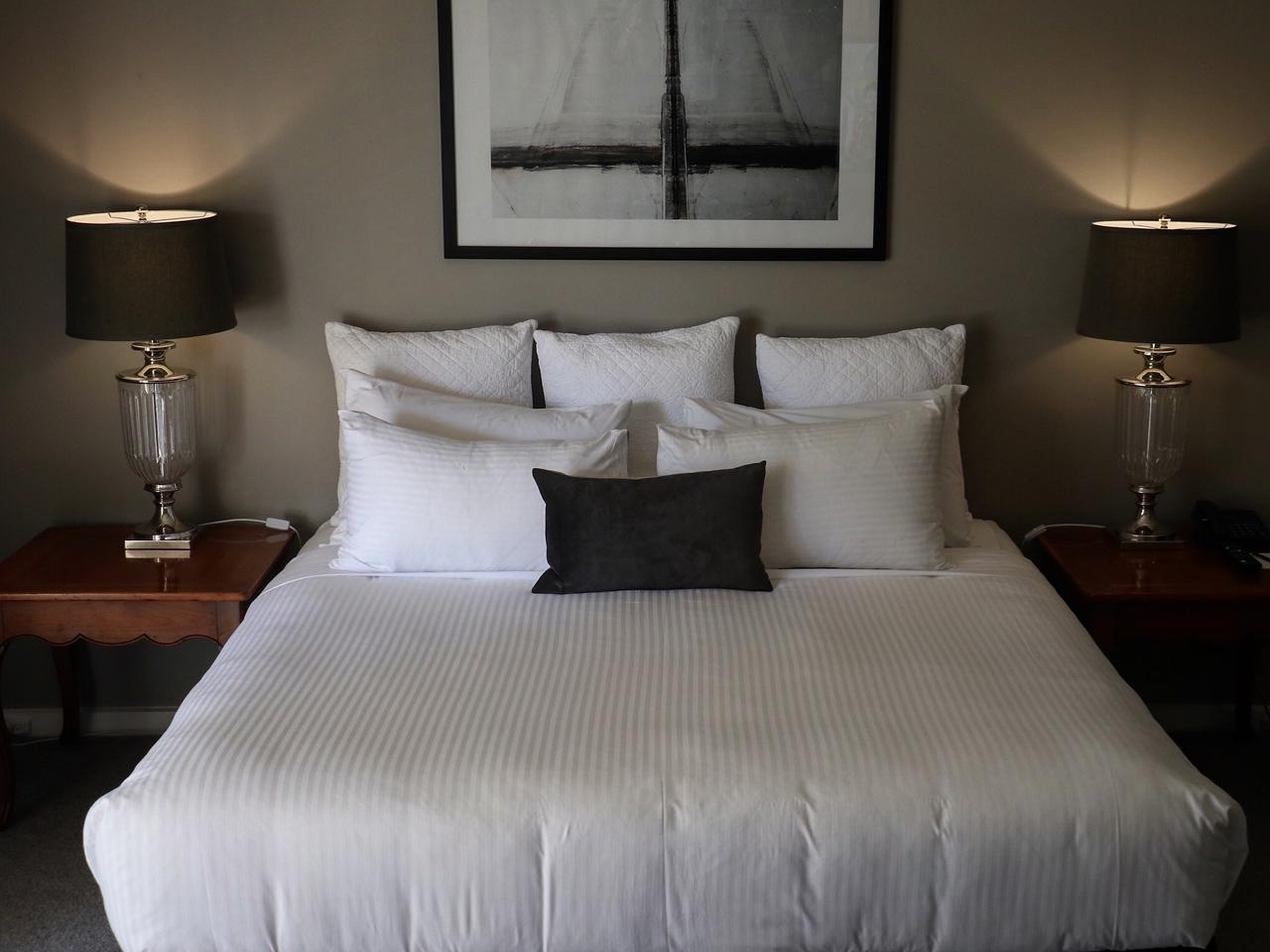 Lindenderry hotel bed i bought