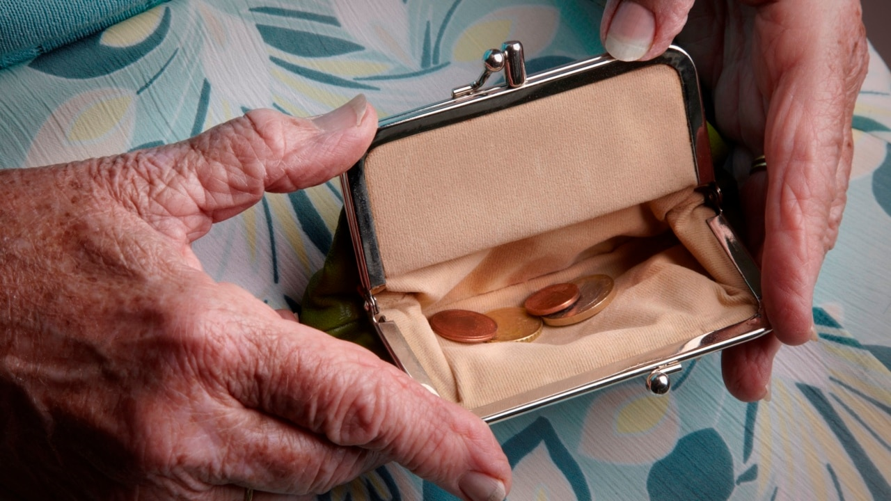 Retirees call for expansion of the pension
