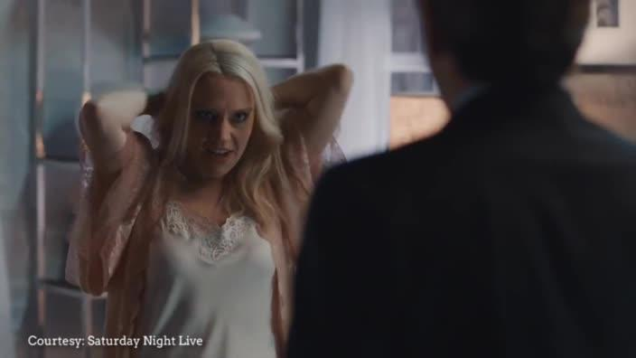 Kate McKinnon plays Kellyanne Conway in classic 'Fatal Attraction' skit