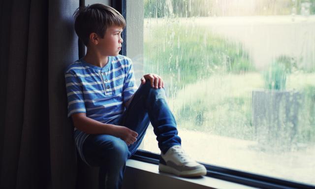 You're not imagining it: rainy days make kids go bonkers